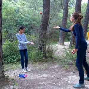 Séance de jonglage à l'IME La Bourguette